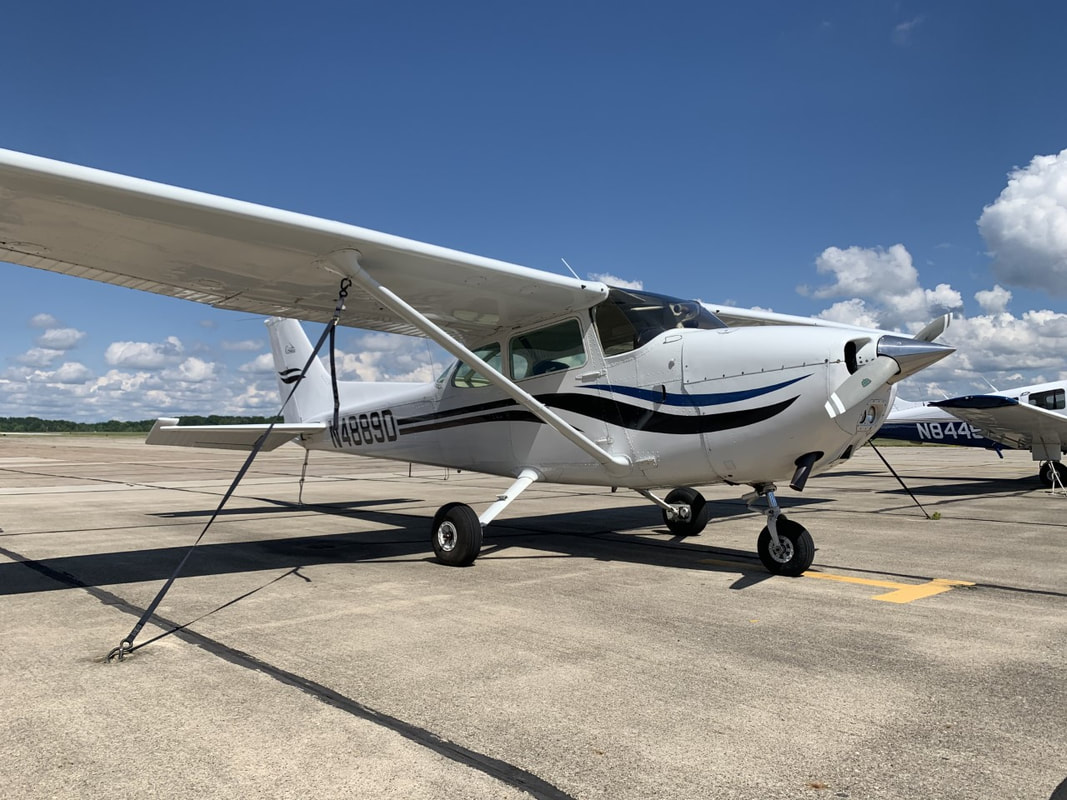 cessna 172 used for flight training