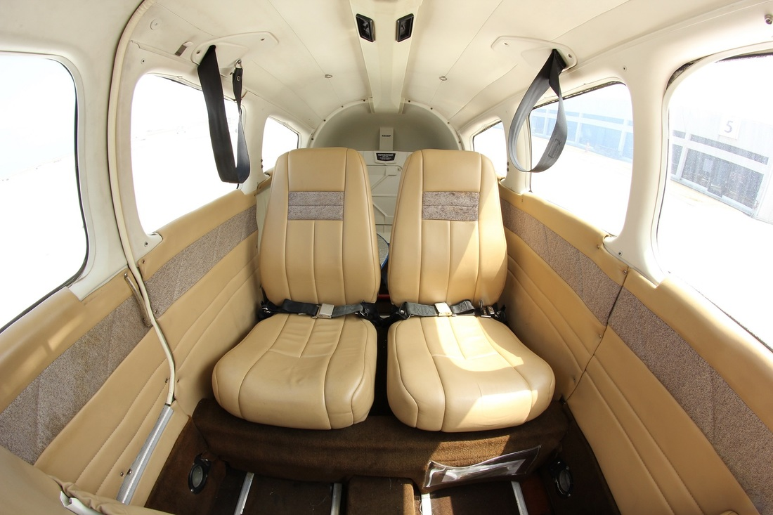 piper archer interior